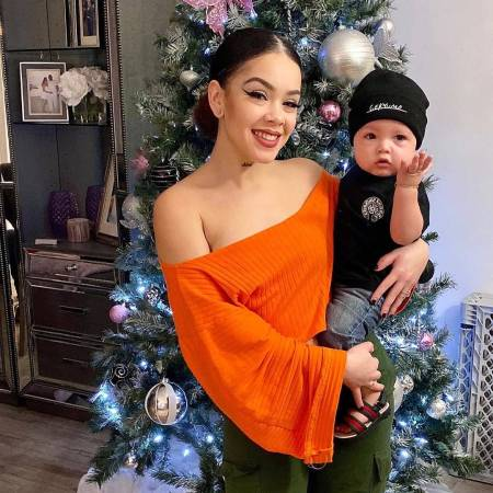 Jenesis with her son, Gekyume share a moment of Christmas in Social Media